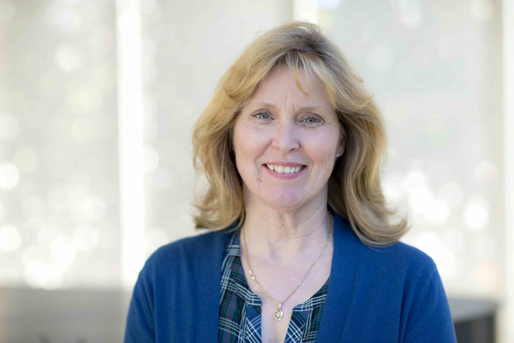 Linda Hensley headshot